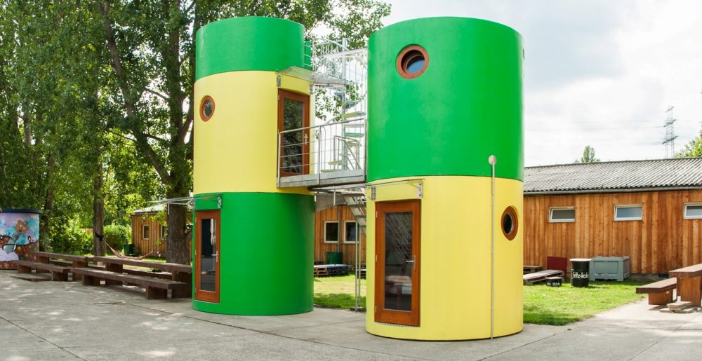 bboxx mobile Hotel-Towers by Veloform