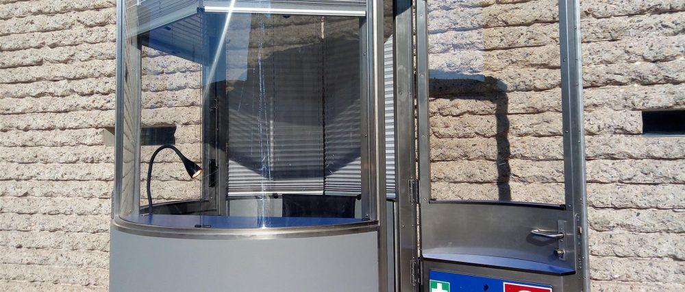 Veloform Produktbereich Stadtmöbel mobiles Postenhaus bboxx für Berliner Polizei