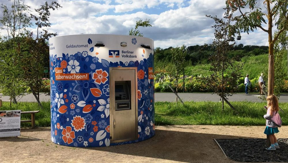 Veloform bboxx mobiler Geldautomat für Berliner Volksbank bei der IGA Berlin