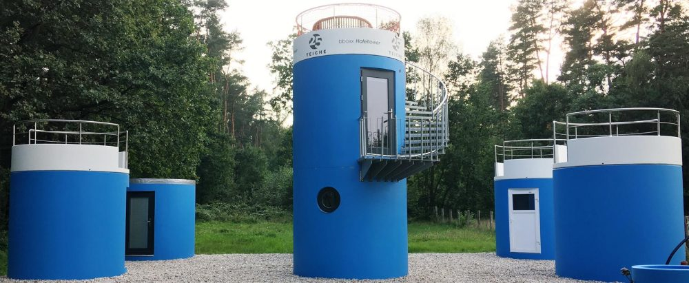 mobile Hoteltürme von Veloform bboxx Hoteltower Forellehof Rottstock
