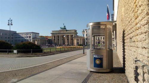 Veloform mobiles Postenhaus bboxx für Berliner Polizei