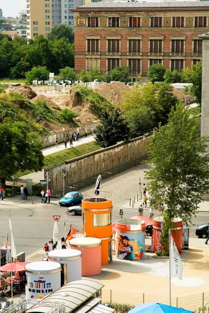 Veloform bboxx Aussichtsturm an der Baustelle zur Berliner Gedenkstätte Topographie des Terrors