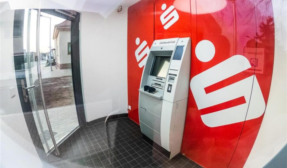Veloform bboxx mobile ATM Foyer References Sparkasse