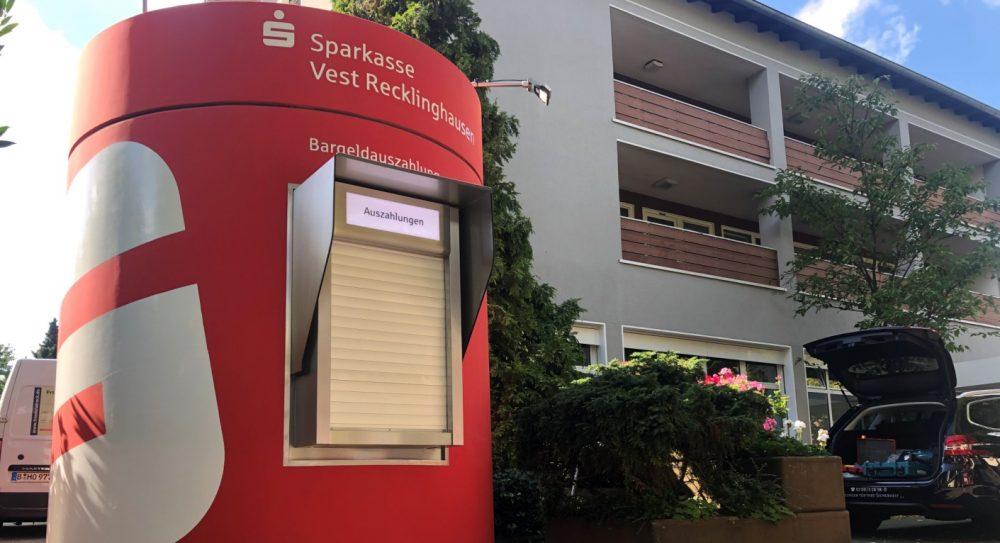 Veloform bboxx Geldautomat Window hochstabiler, runder SB-Pavillon