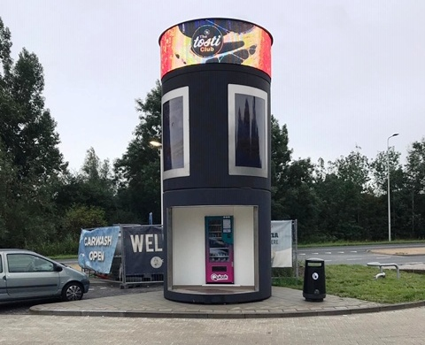 Veloform bboxx AdScreenTower DooH LED Vending