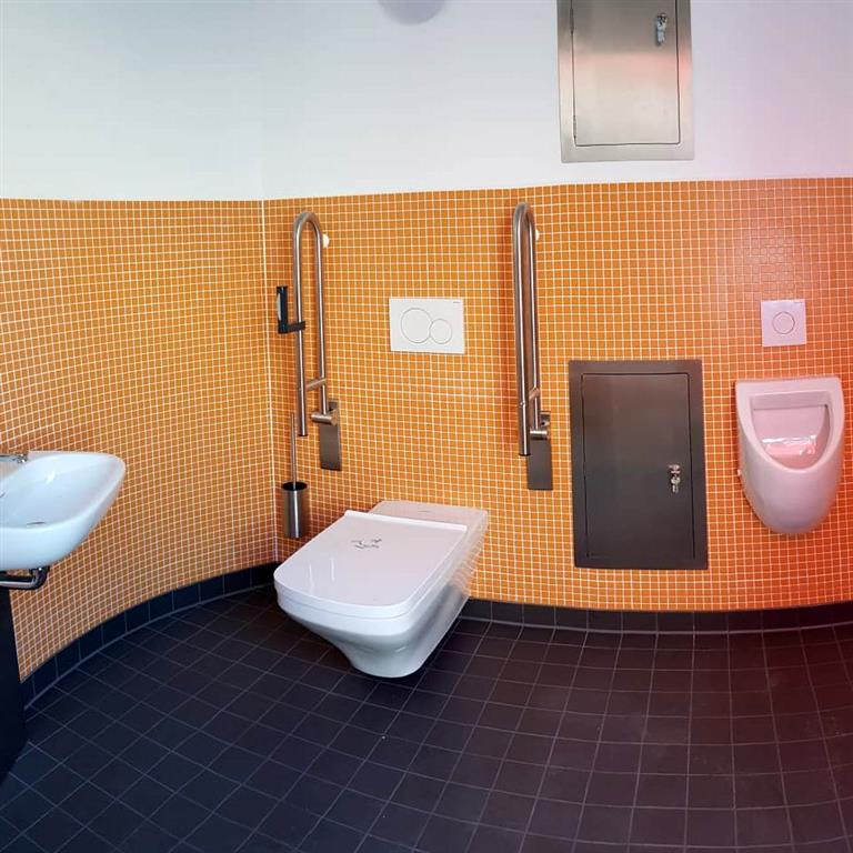 Veloform References Stadt Oederan bboxx Accessible Bathroom